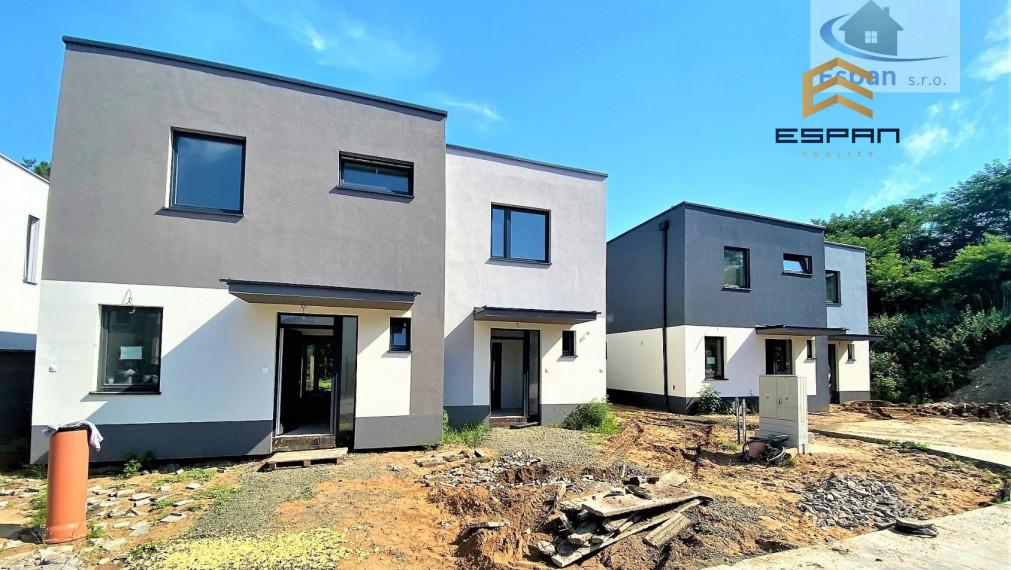***DOKONČENÝ: Nový 4 IZB. rodinný dom v dvojdome s 15 m2 s terasou/ lokalita pri MALACKY!!