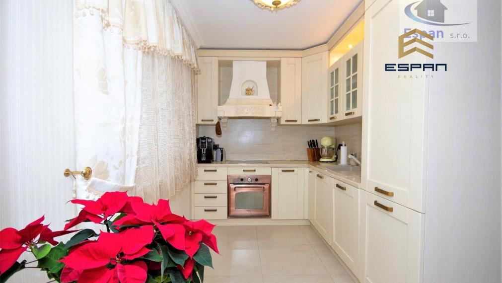 **NA PREDAJ: Výnimočný 3 izbový byt na ul. Záhorácka v CENTRE Malaciek!!