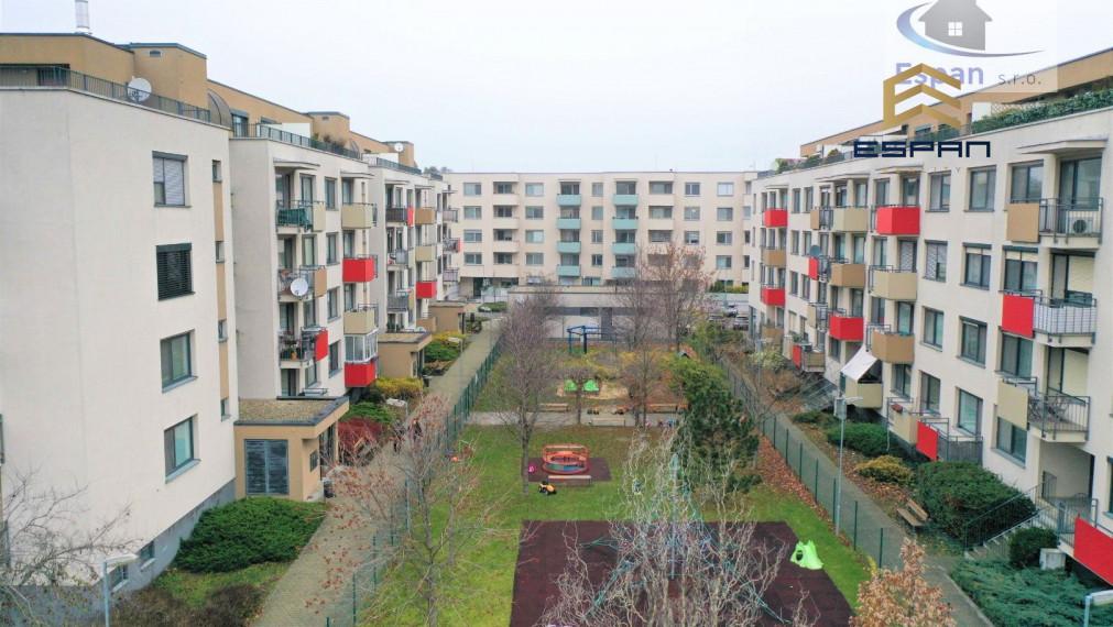 ***NA PREDAJ: Veľký 2 izbový byt s výbornou dispozíciou v TOP lokalite - na ul. Okružná v Stupave!!!