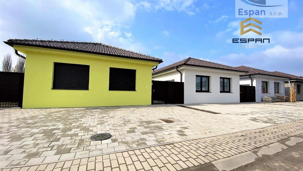 ***REZERVOVANÉ:SKOLAUDOVANÝ 4 izb. rodinný bungalov na E. Wiesnera v  Malackách!!