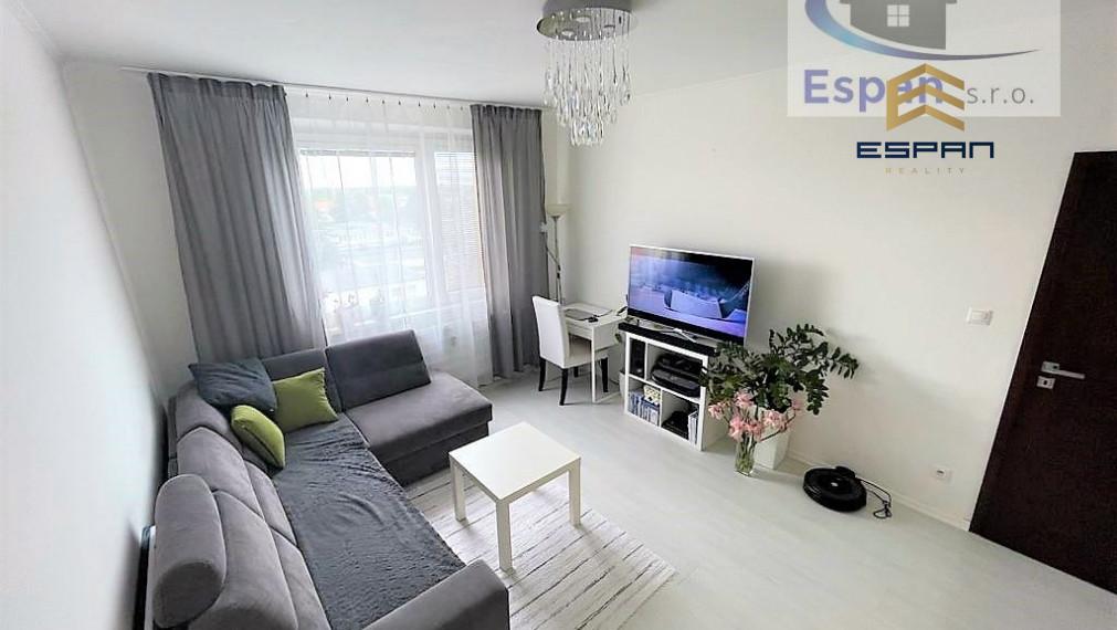 **NOVINKA: Kompletne zariadený 3 izb. byt v CENTRE mesta Malacky!!!